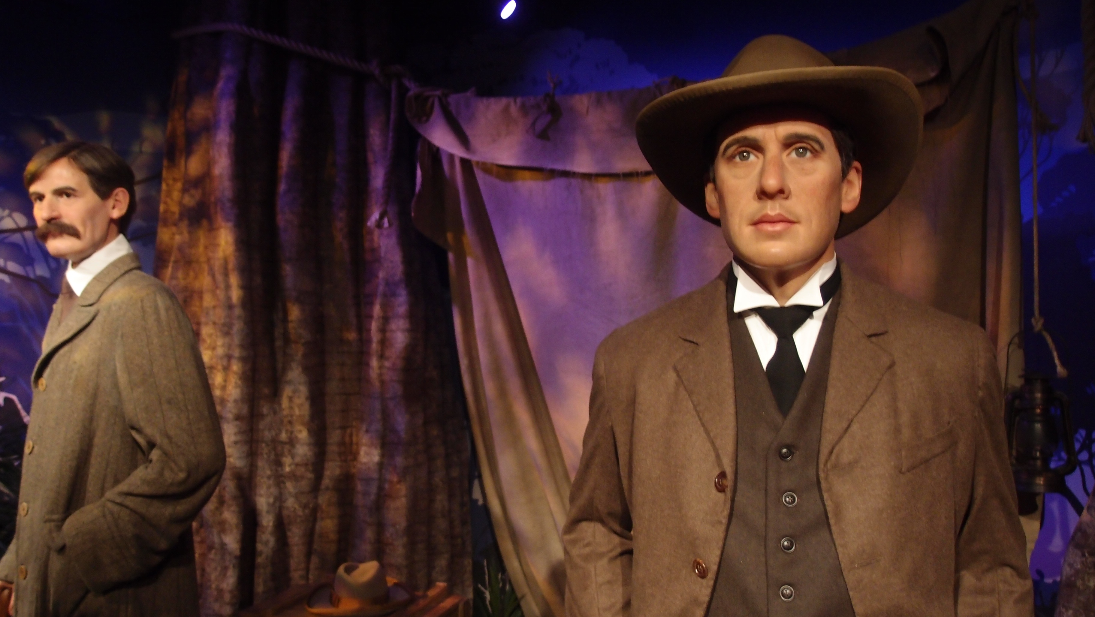 jason mccall the modern day banjo patterson and henry lawson Jason mccall: the modern day banjo patterson and henry lawson 1,192 words 3 pages an analysis of the right choices in drover's wife by henry lawson 334 words 1 page.